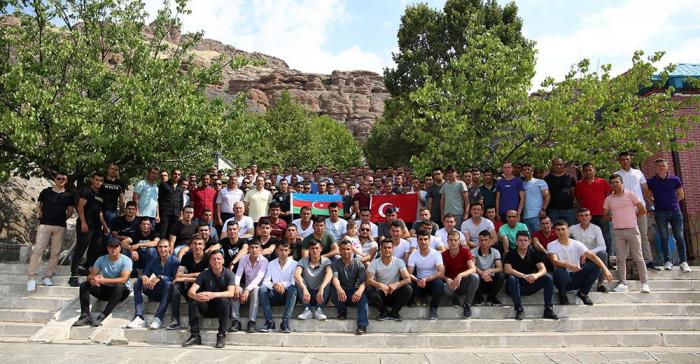 Azerbaijani MoD organizescultural event for servicemen participating in exercises