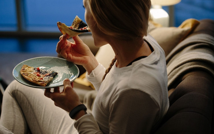 How does timing of your meals affect weight loss?