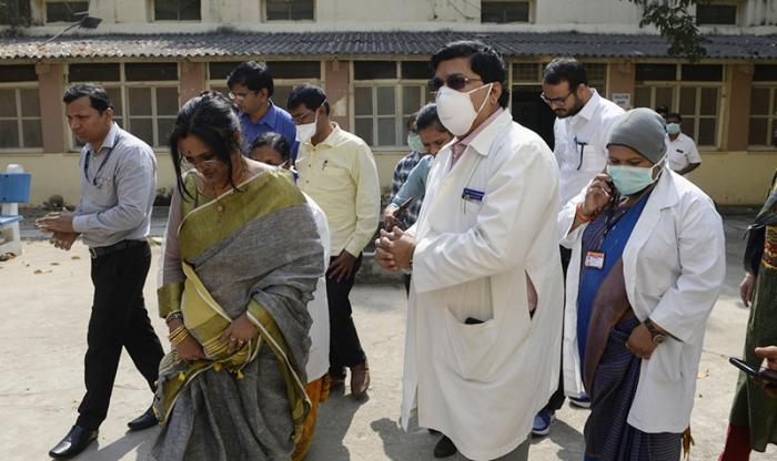 Hindistanda son sutkada 52 min yoluxma olub