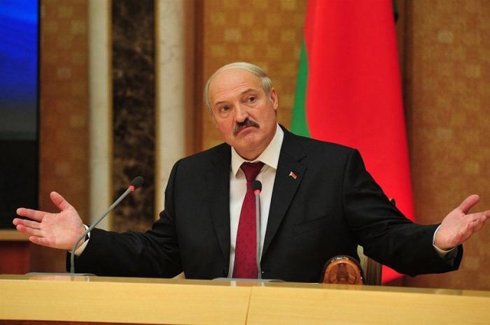 Lukaşenkonun virusla mübarizə metodu:  -