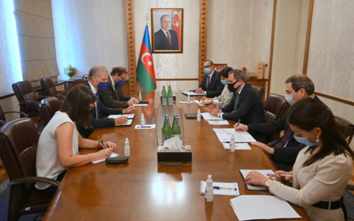 Ceyhun Bayramov Aİ rəsmisi ilə görüşdü