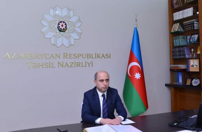 Flamante ministro de Educación de Azerbaiyán celebró una videoconferencia con los docentes
