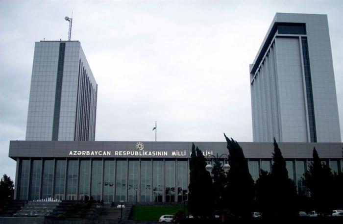 Arranca la reunión extraordinaria del Parlamento de Azerbaiyán