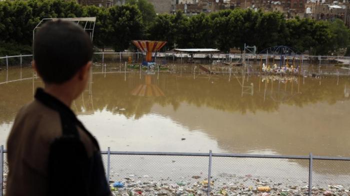 Mehr als 130 Tote bei Überschwemmungen