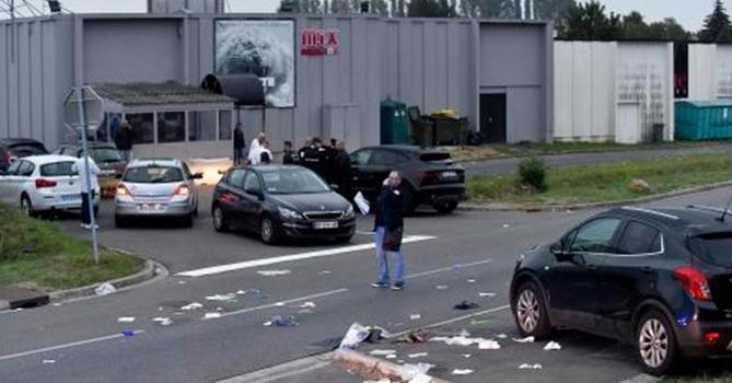 Avtomobili insanların üzərinə sürdü,  30 nəfər yaralandı
