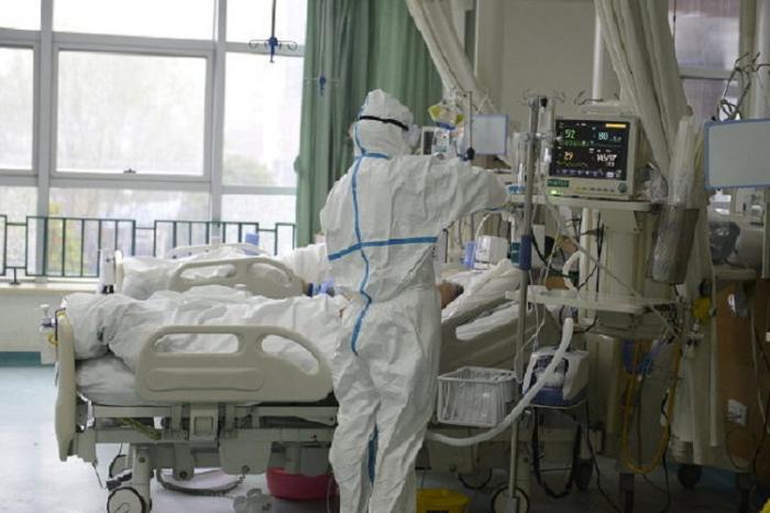 Rusiyada koronavirusa yoluxma sayı 877 mini keçdi