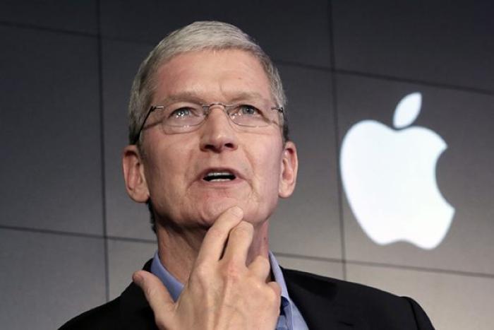 """""""Apple"""" şirkətinin rəhbəri milyarder oldu"""