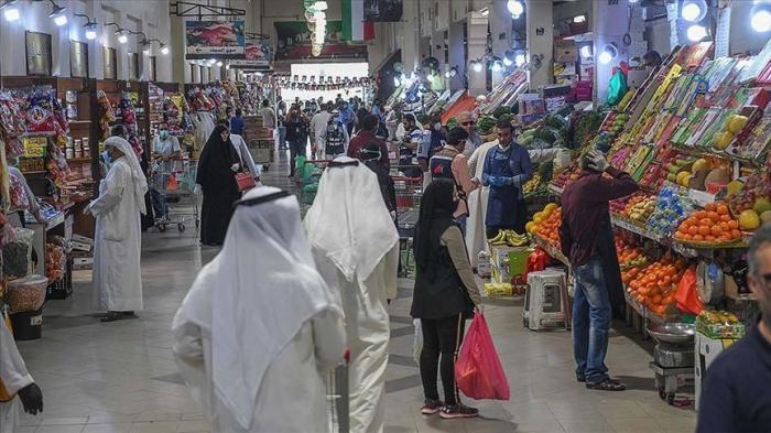 Küveyt yarım milyondan çox əcnəbini ölkədən çıxarır