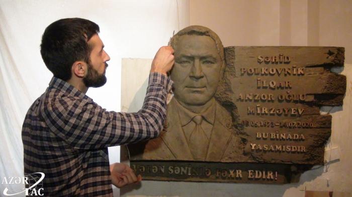 Escultor azerbaiyano honra la memoria del héroe nacional