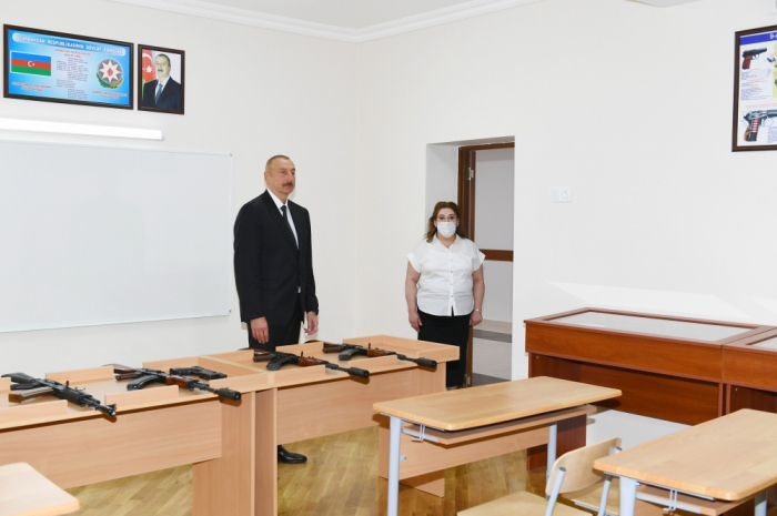 President Ilham Aliyev viewed conditions created at new block of secondary school in Baku -  PHOTOS