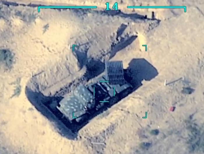 صور لمعدات عسكرية معادية مدمرة - فيديو