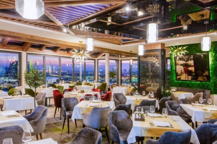 Sabahdan kafe-restoranlar gecə 12-yə kimi işləyəcək
