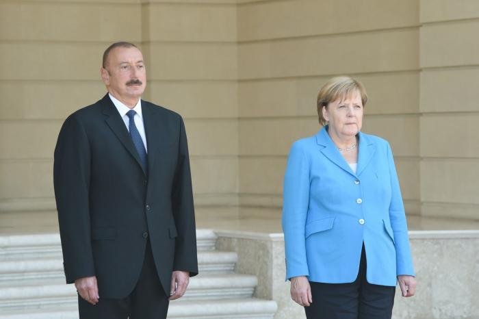 Ilham Aliyev a reçu un coup de fil de la chancelière allemande Angela Merkel