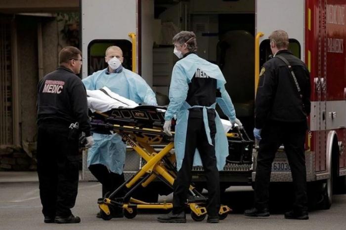 ABŞ-da son sutkada 914 nəfər COVID-19-dan ölüb