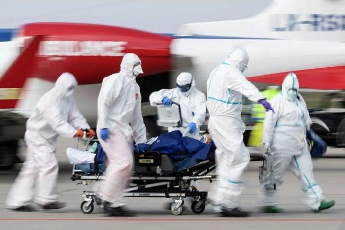 Britaniyada virusa yoluxma sayı 380 mini keçib