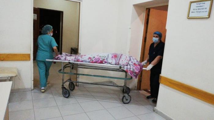 Sumqayıtda nişanlı qız öldürüldü, anası bıçaqlandı