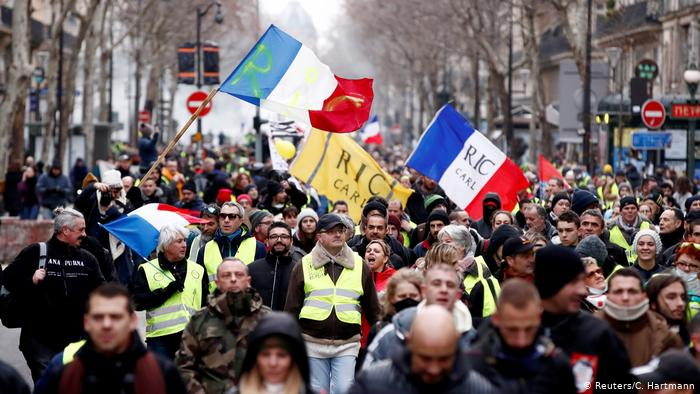 Paris police bans planned weekend anti-government protest