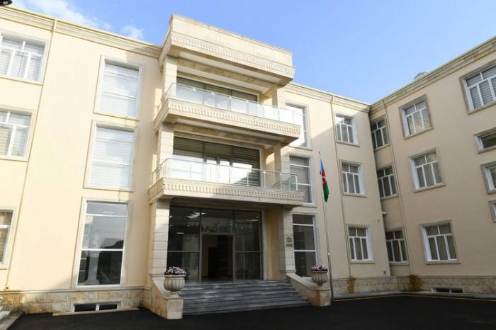 الرئيس يشارك في افتتاح المدرسة سميت على اسم ألبرت أغارونوف