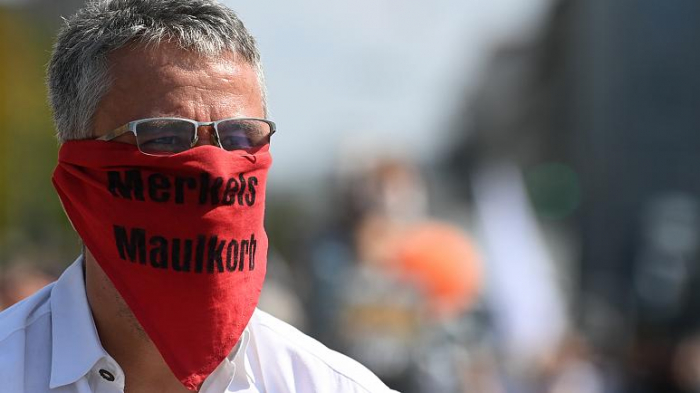 Police put end to march against coronavirus restrictions in Munich