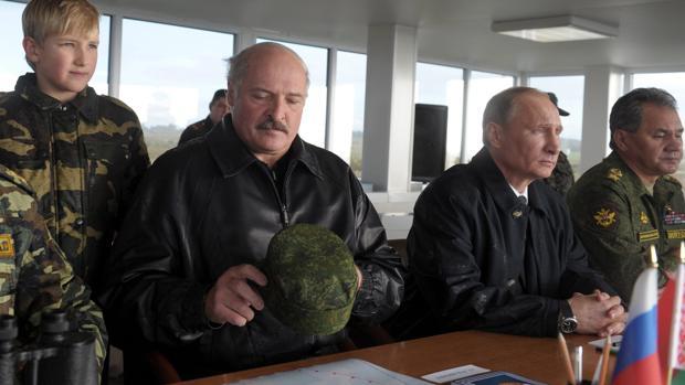 Putin y Lukashenko se encuentran hoy para redefinir sus relaciones mientras siguen las protestas en Bielorrusia