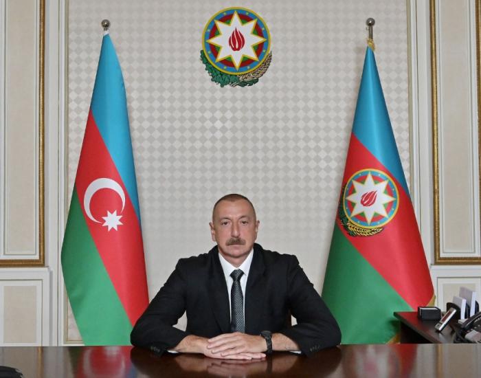 """Ilham Aliyev:   """"Algunos círculos externos envenenan elcerebro de los jóvenes"""""""