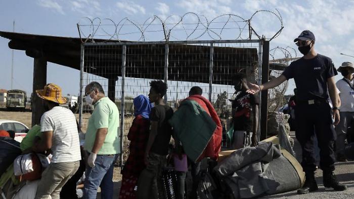 Deutschland will 1500 Flüchtlinge von Inseln holen