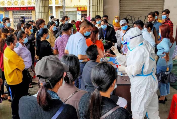 Covid-19: la Chine confine une petite ville située à la frontière avec la Birmanie