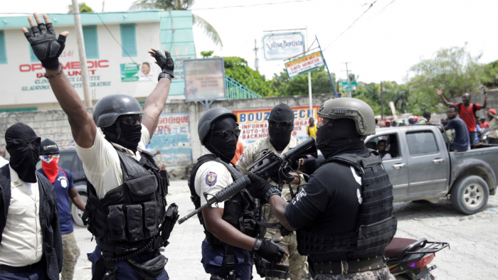 Estallan caóticas protestas en Haití para exigir la liberación de un oficial detenido