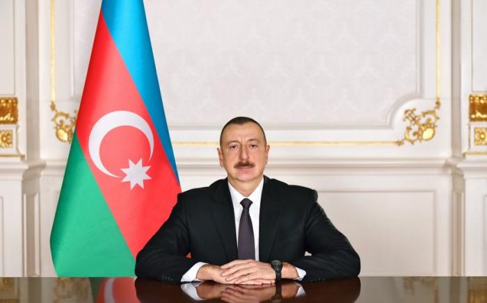 President Ilham Aliyev congratulates Japanese PM