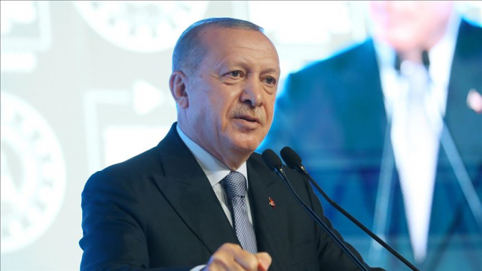 Los estados europeos deberían ser justos en Mediterráneo oriental, Erdogan le señala a Merkel