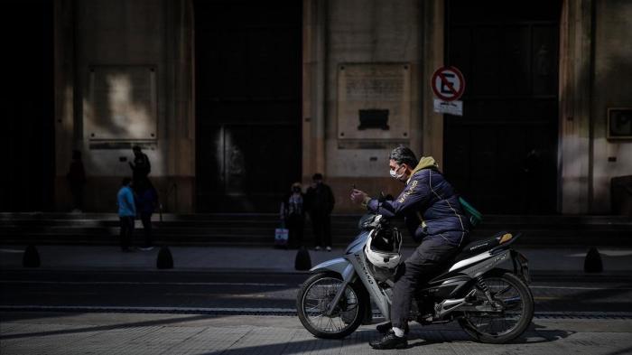 Argentina empieza a controlar la compra de dólares ante la escasez de moneda estadounidense
