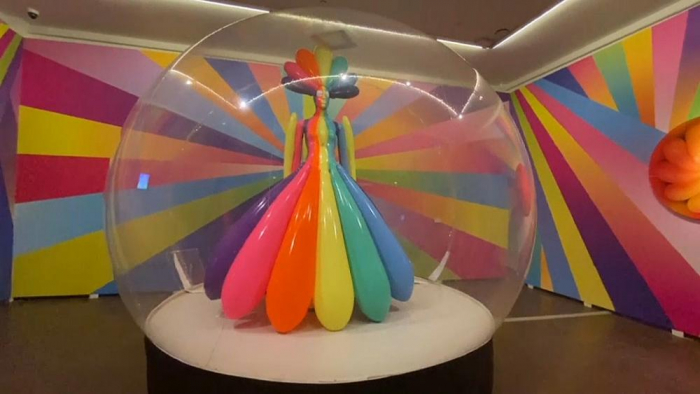 Moscow museum filled with colourful latex sculptures -   NO COMMENT