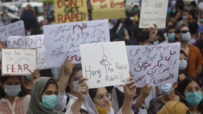 Pakistán sugiere la castración química de delincuentes sexuales para evitar que reincidan