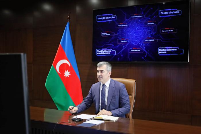 Vussal Husseynov a tenuunwebinaire consacré à lagestion stratégique dans le secteur public