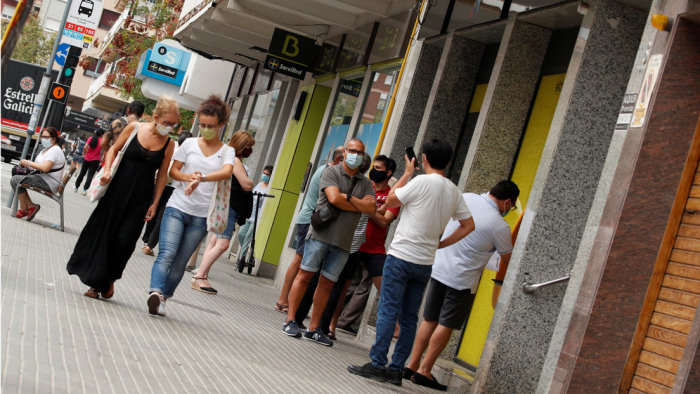 España suma más de 14.000 nuevos contagios de coronavirus, 4.697 diagnosticados en las últimas 24 horas