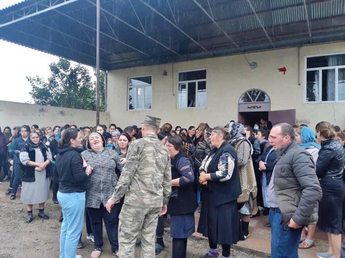 Abschiedszeremonie für den verstorbenen aserbaidschanischen Soldaten stattgefunden