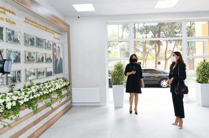 Mehriban Əliyeva Uşaq İncəsənət Məktəbinin yeni binasının açılışında -