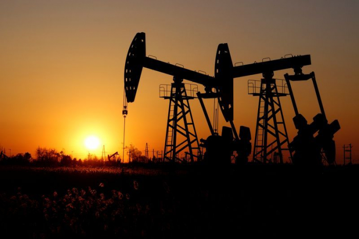 Oil prices edge up on world market