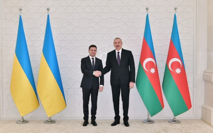 Azerbaijani and Ukrainian Presidents hold phone call