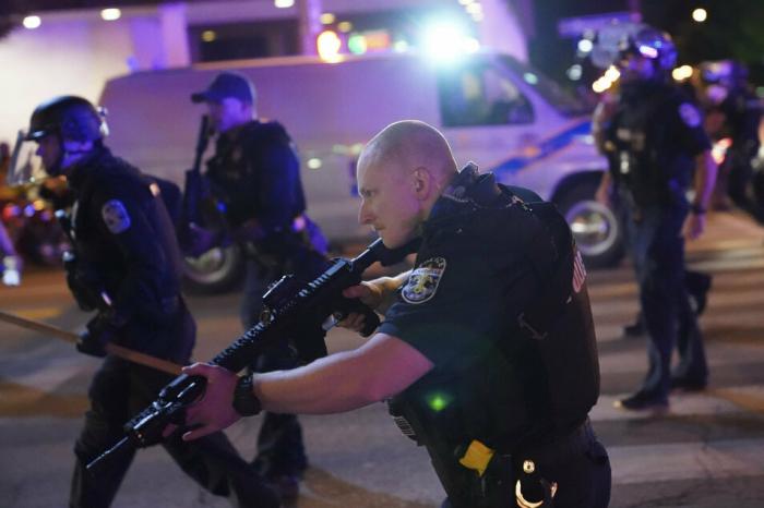 US-Polizisten bei Protesten angeschossen