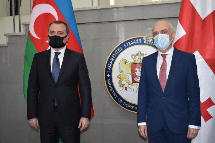 Treffen der Außenminister von Aserbaidschan und Georgien beginnt