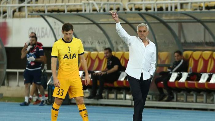 Verwirrter Mourinho fühlt sich riesig