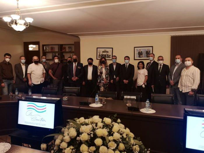Hikmet Hajiyev traf sich mit den Bloggern