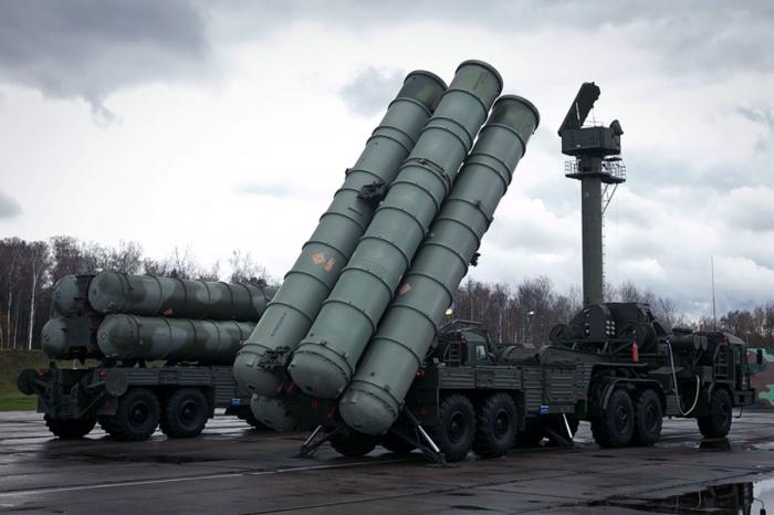 Un drone azerbaïdjanais détruit le système de missiles antiaériens S-300 de l