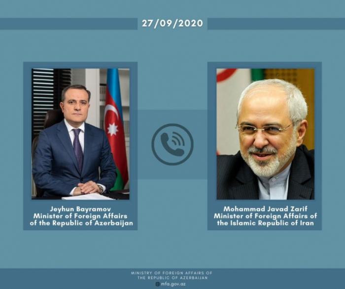 Azerbaijani, Iranian FMs hold phone talk