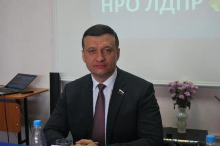 """""""Armenien muss seine Streitkräfte aus den besetzten Gebieten abziehen"""" -  sagte der russische Abgeordnete"""