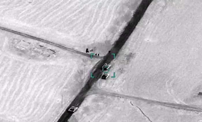 Les forces armées azerbaïdjanaises détruisent deux autres charsdes troupes arméniennes - VIDEO