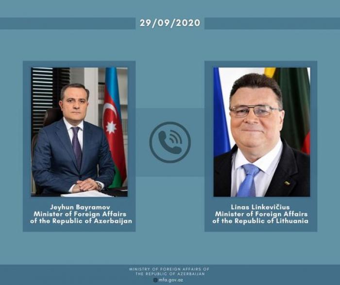 Les MAE azerbaïdjanais et lituanien tiennent un entretien téléphonique