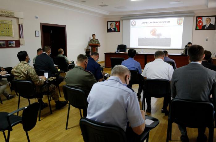 Des attachés militaires étrangers informés des opérations militaires sur la ligne de contact