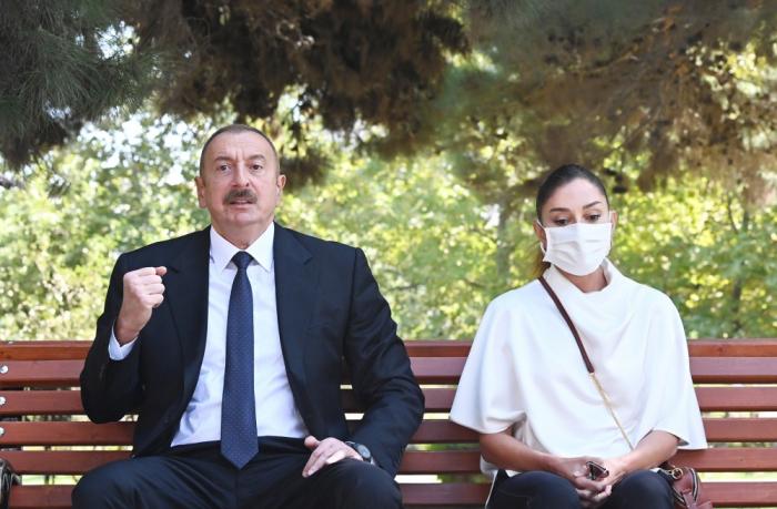 Le président azerbaïdjanais et son épouse rendent visite aux militaires blessés à l